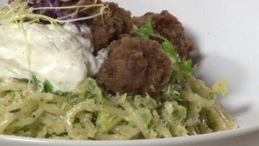 Zsófi főzőbirodalma – Zöld pasta húsgolyóval