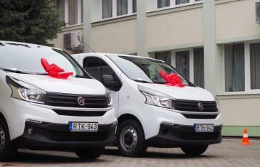 Két új szállító gépjárművet kapott a várostól a közétkeztető