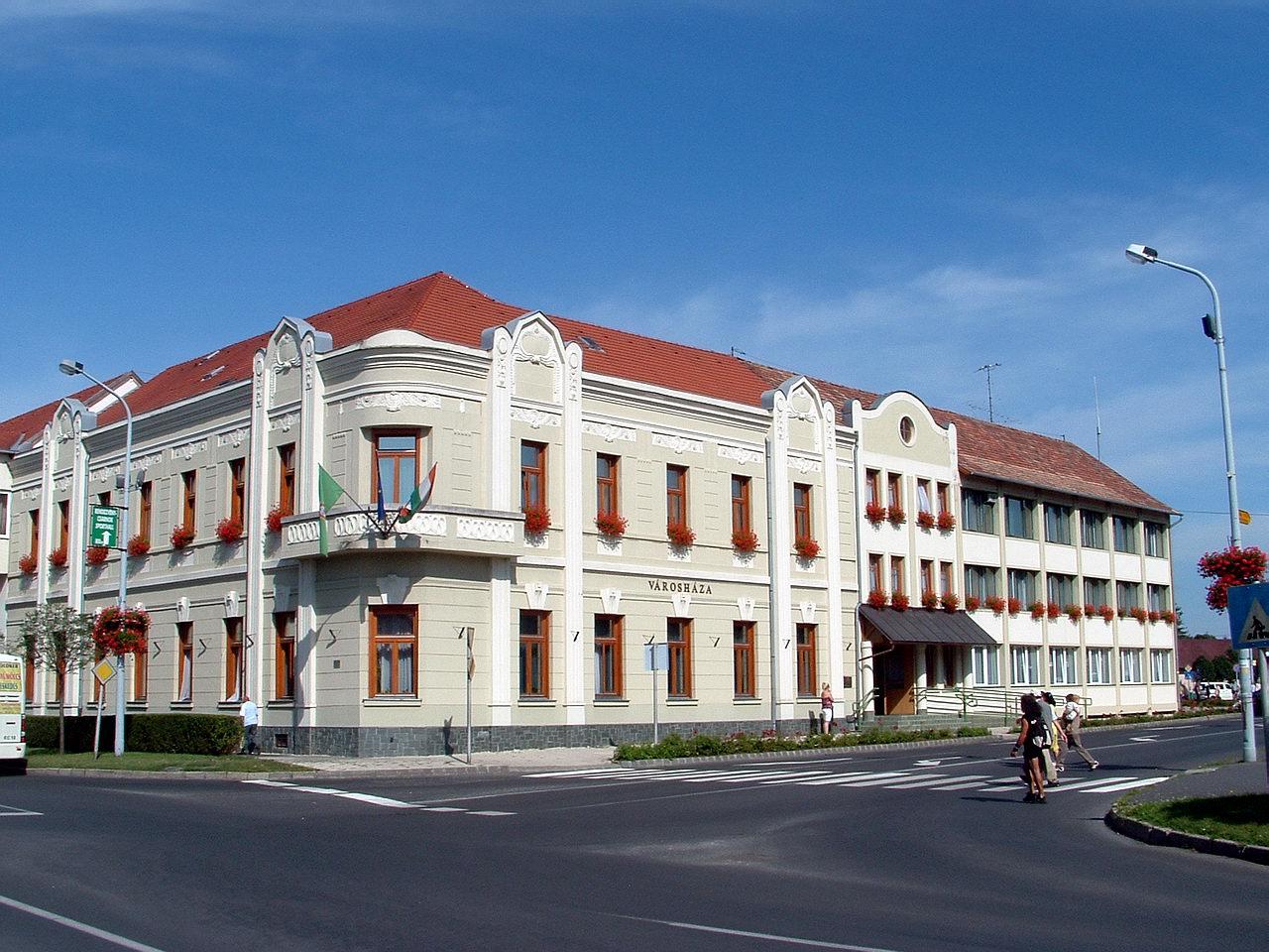 tapolca városháza