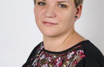 Herczeg-Vecsei Katalin a tanítás mellett haikukat ír